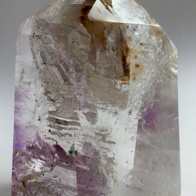 Clear-Quartz-Enhydro-with-Amethyst-CQEA01